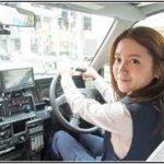 グラビアモデル生田佳那がタクシードライバーに?水着画像、カップ